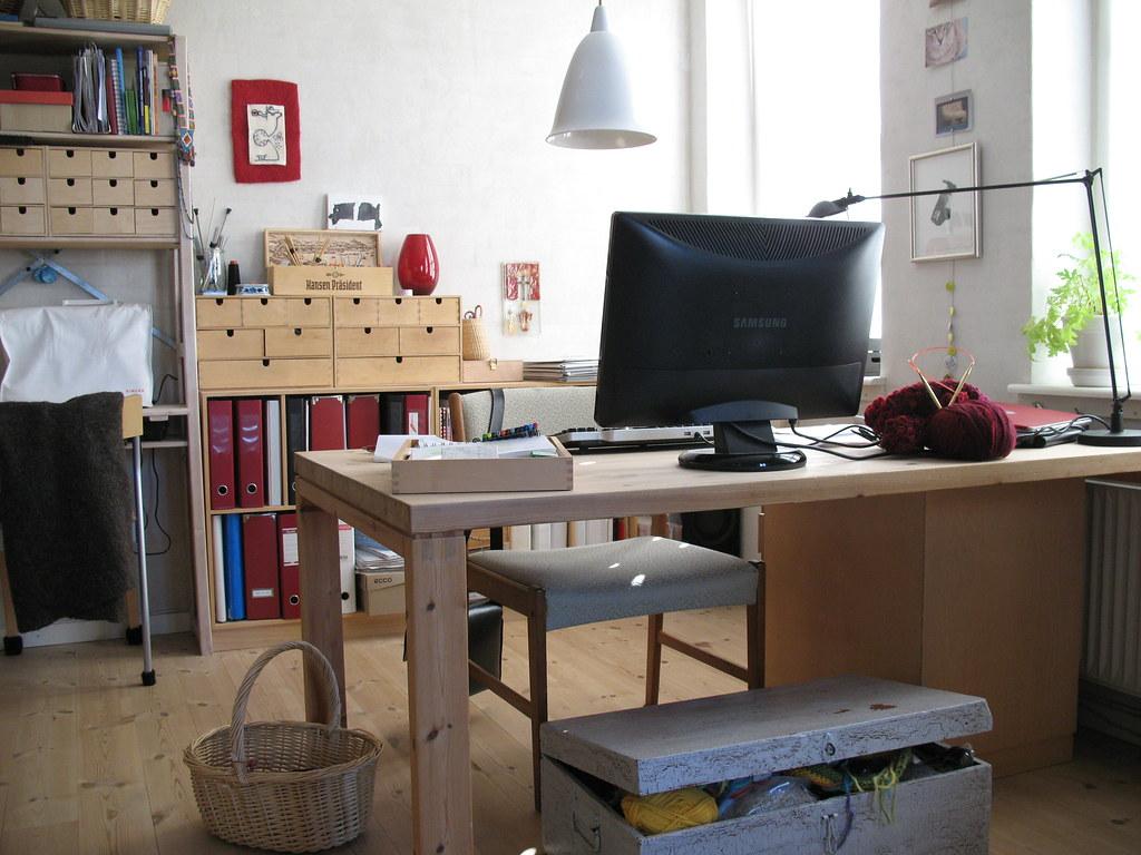 Small Corner Desk Kitchen