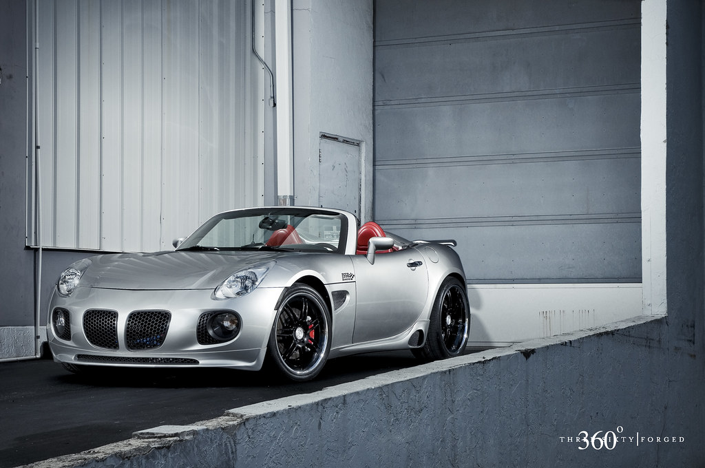 Pontiac Solstice On 360 Forged Split 7 This Little Guy