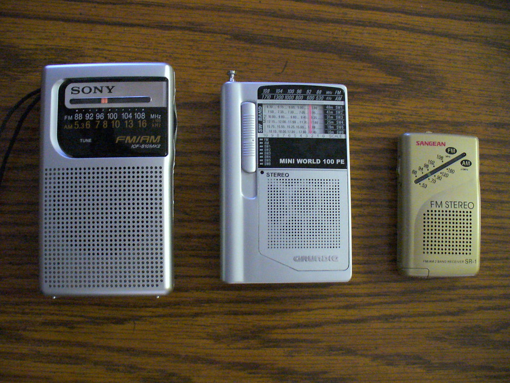 my favorite small radios sony icf s10mk2 am fm radio grun flickr. Black Bedroom Furniture Sets. Home Design Ideas