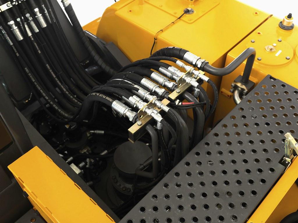 Volvo Ew230c Wheeled Excavator Hydraulic Hoses Ew230c 066 Volvo Construction Equipment
