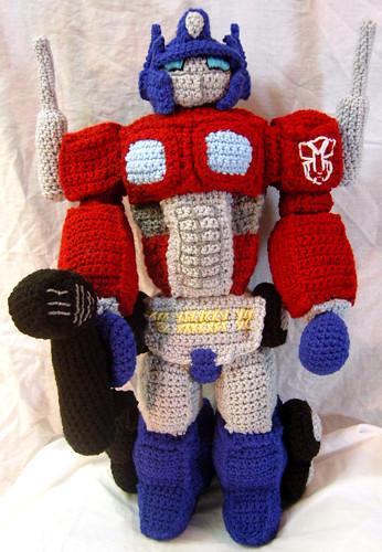Amigurumi Optimus Prime Tribute Doll Amigurumi Optimus ...