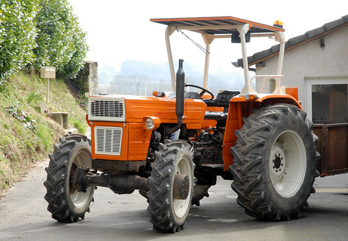 Universal 530d tractor like a brand new one this for Espejo universal tractor