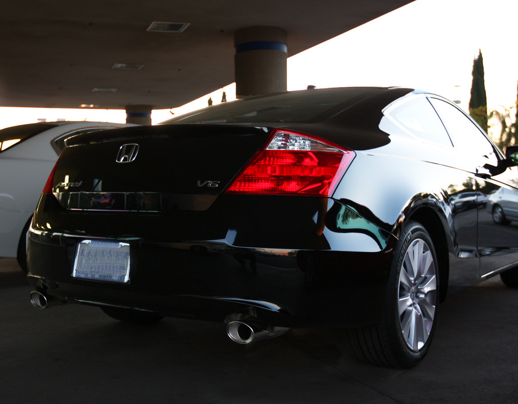 2010 honda accord coupe rear view of a 2010 honda accord c flickr. Black Bedroom Furniture Sets. Home Design Ideas