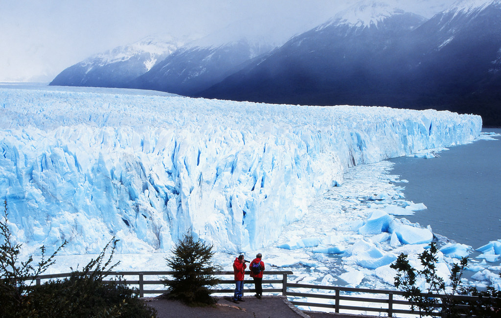 Perito Moreno Glacier - Tourists on Viewing Platform | Flickr