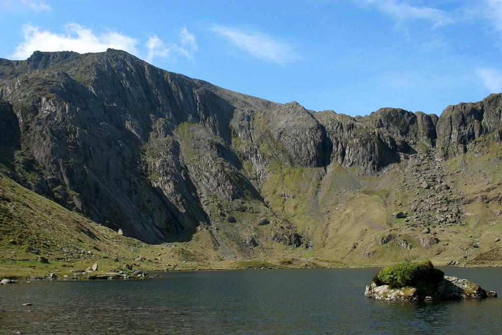 Cwm Idwal And Glyderau Snowdonia North Wales Cwm Idwal