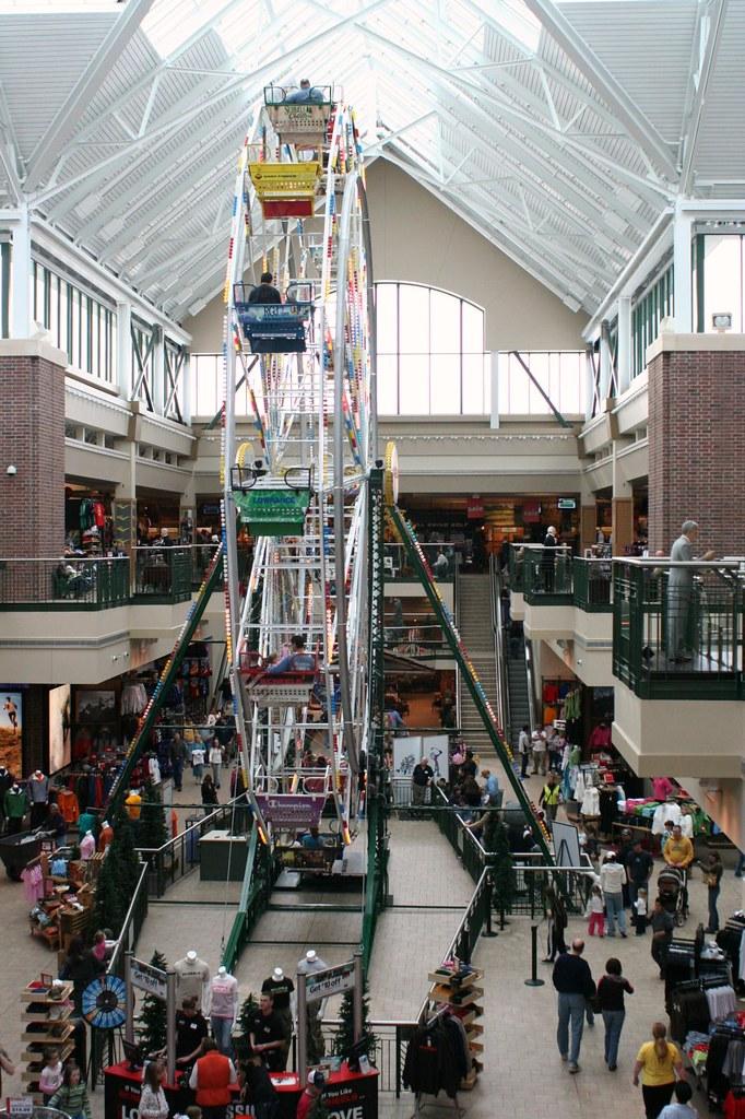 Nevada >> Scheels Ferris Wheel | Scheels, in Sparks Nevada, is like th… | Flickr