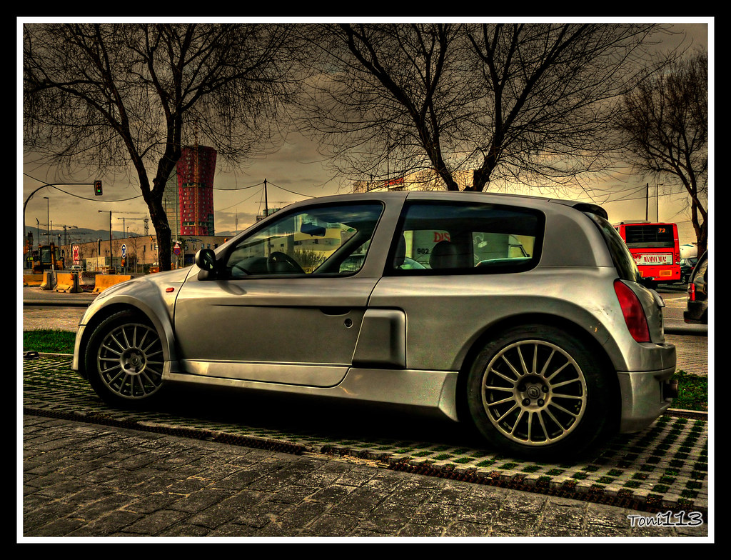 renault sport clio v6 renault sport clio v6 in barcelona flickr. Black Bedroom Furniture Sets. Home Design Ideas