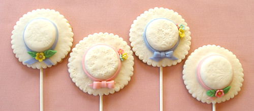 Cover Cake Pops With Fondant