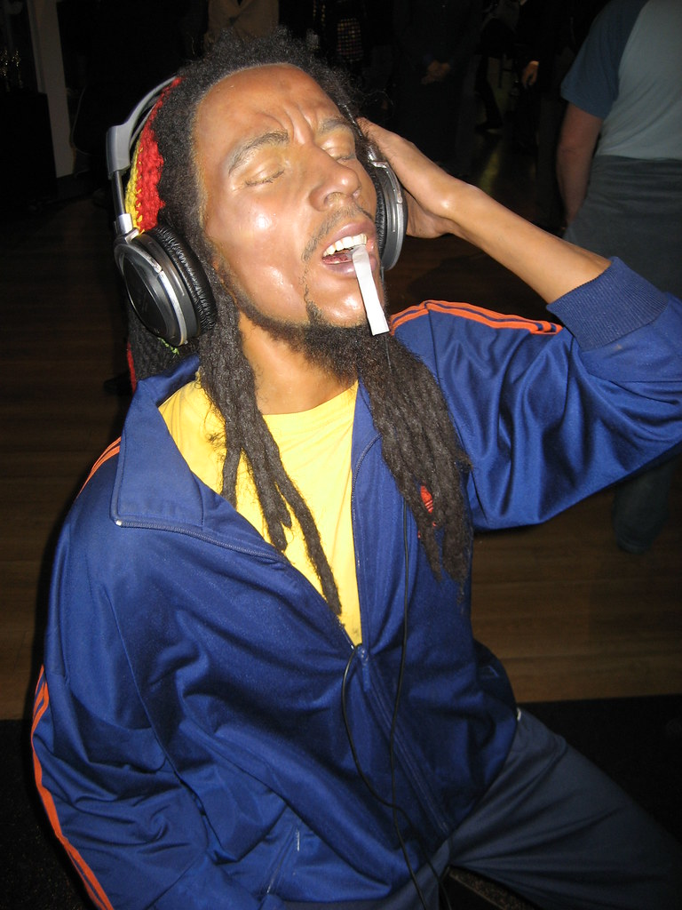 Bob marley & the wailers jammin' | Internet Speed is higher than Task manager usage