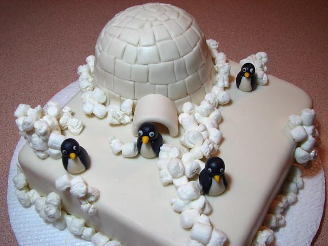 Marshmallow Igloo Cake