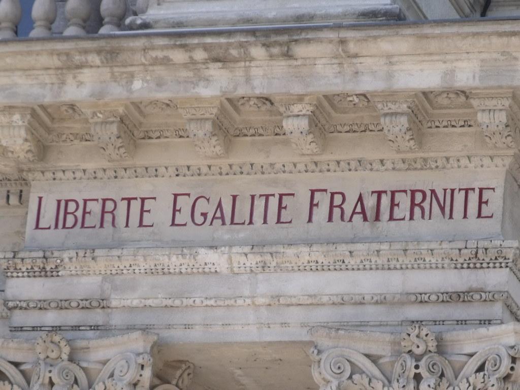 Exceptionnel Avignon - Place de l'Horloge - Hotel de Ville - Liberte Eg… | Flickr DP12