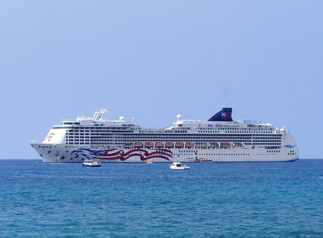 Pride Of America Cruise Ship  Kailuakona  Konashark