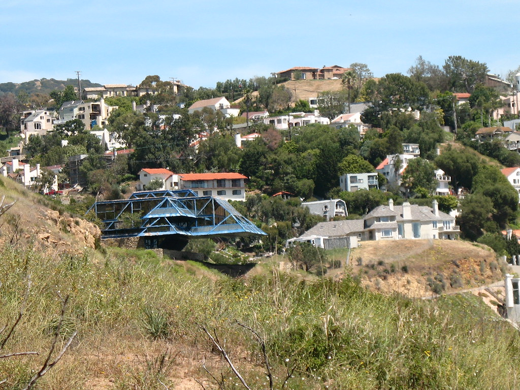 House - Malibu Hills | If I've read Google Maps correctly ...