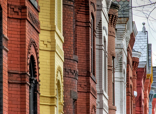 Looking Down the Block on Capitol Hill | by Ronnie R