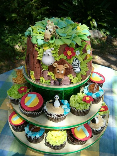 Erin S Madagascar Cupcake Tower Another Stunning