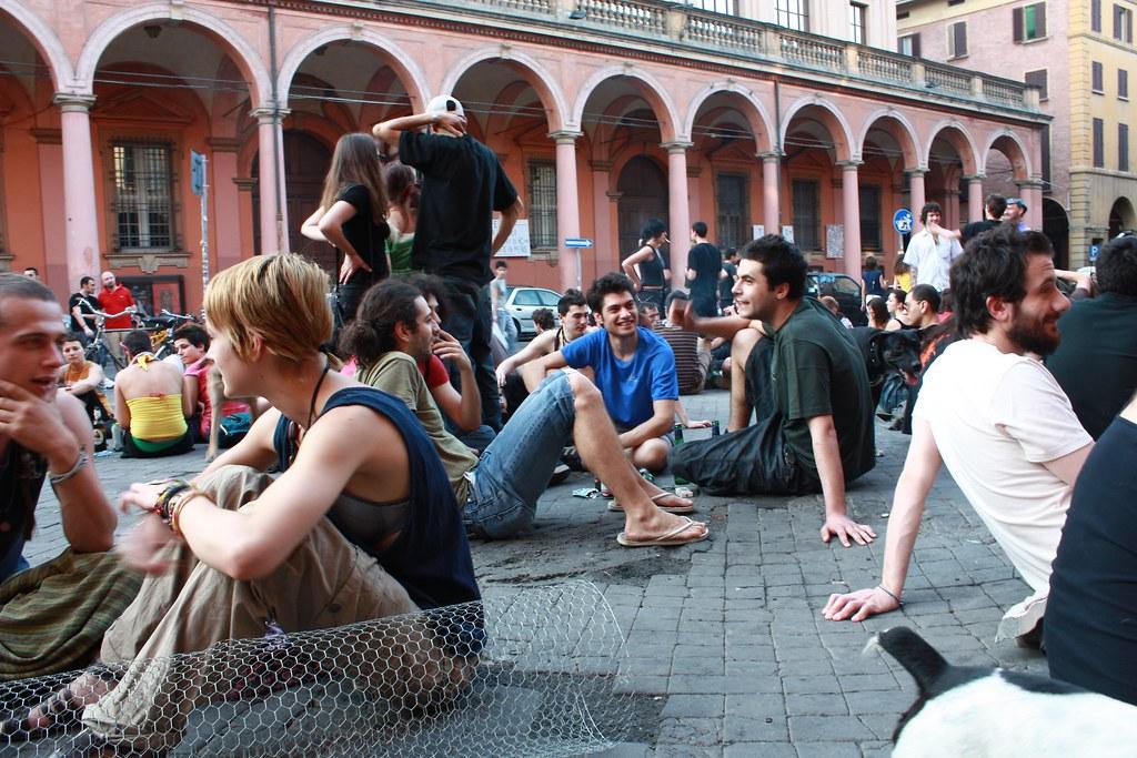 Piazza Verdi (Bologna) - La quiete prima della demenza - L ...