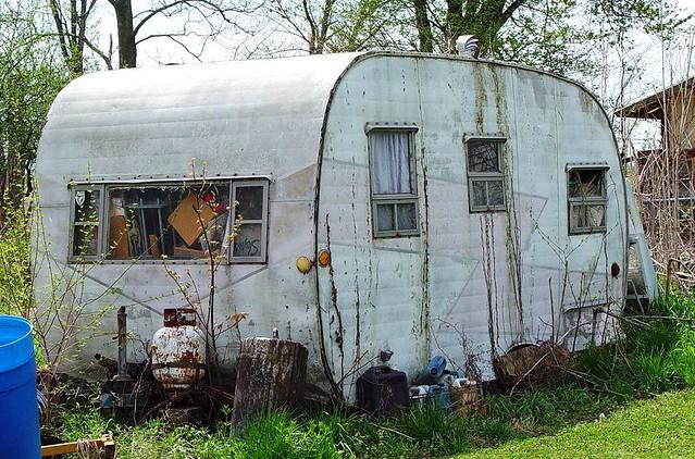 Old House Trailer Grafton Illinois 4 24 09 Lita