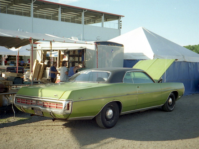 Chryslers At Carlisle >> 1971 Dodge Monaco | This car had a 383 and A/C. Not too bad … | Flickr