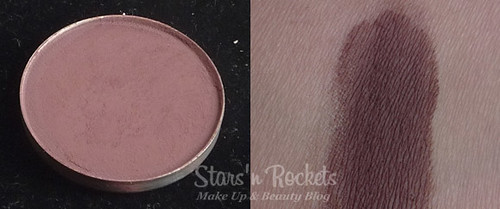 MAC Blackberry Eyeshadow Swatch