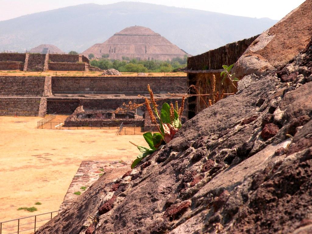 Ciudad de piedra volcanica alex torres flickr for Piedra volcanica