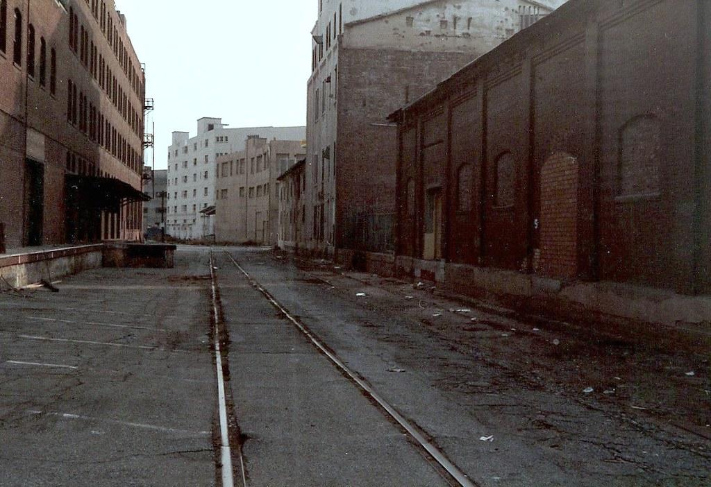 Downtown Los Angeles >> Industrial Buildings, Downtown Los Angeles | emd | Flickr