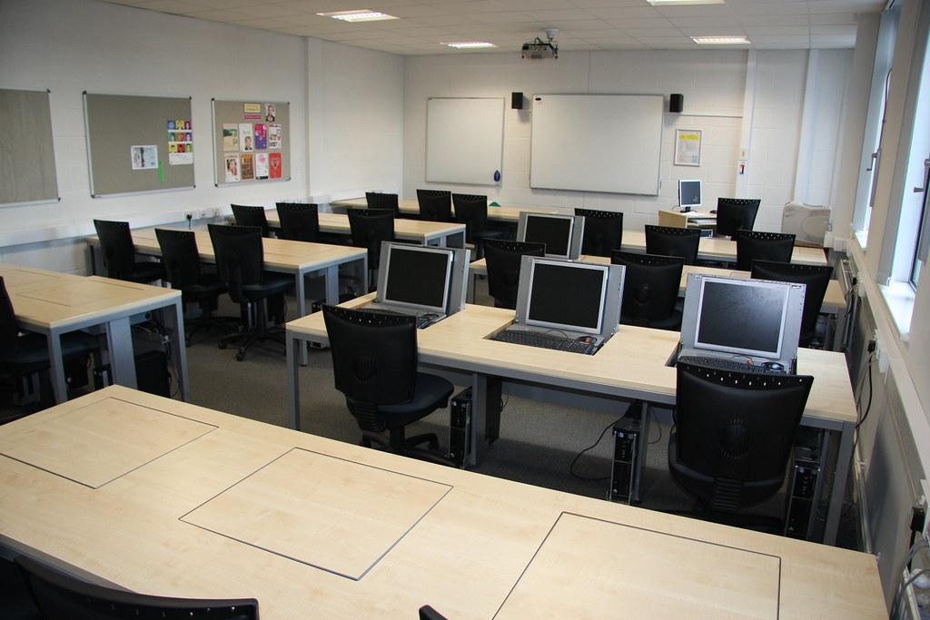 Scale Up Classroom Design And Use Can Facilitate Learning ~ Classroom at gloucestershire college showing
