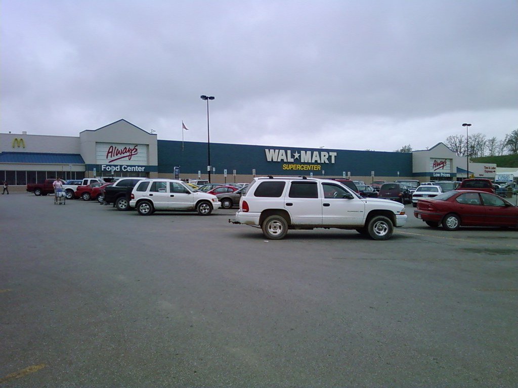 wal mart ottumwa iowa exterior soon to be repainted w. Cars Review. Best American Auto & Cars Review