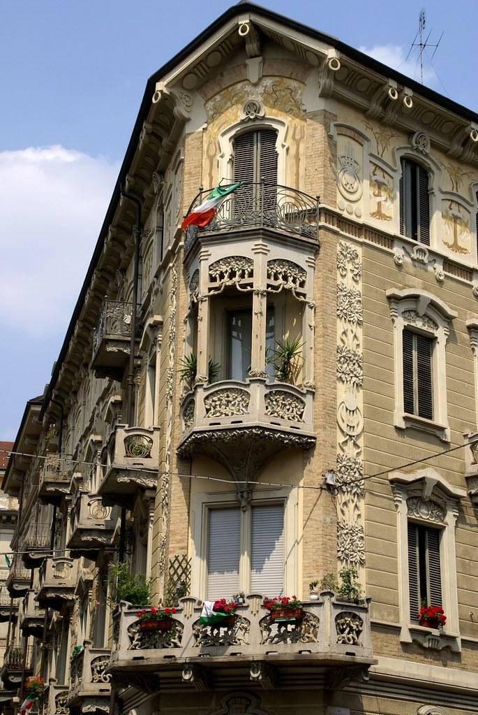 Torino via claudio beaumont via pietro piffetti jugendst for Casa moderna torino