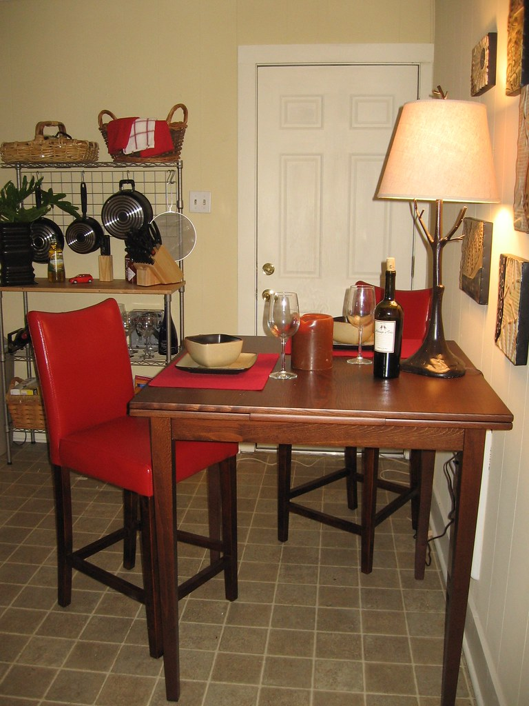 Square Kitchen Table And  Chairs