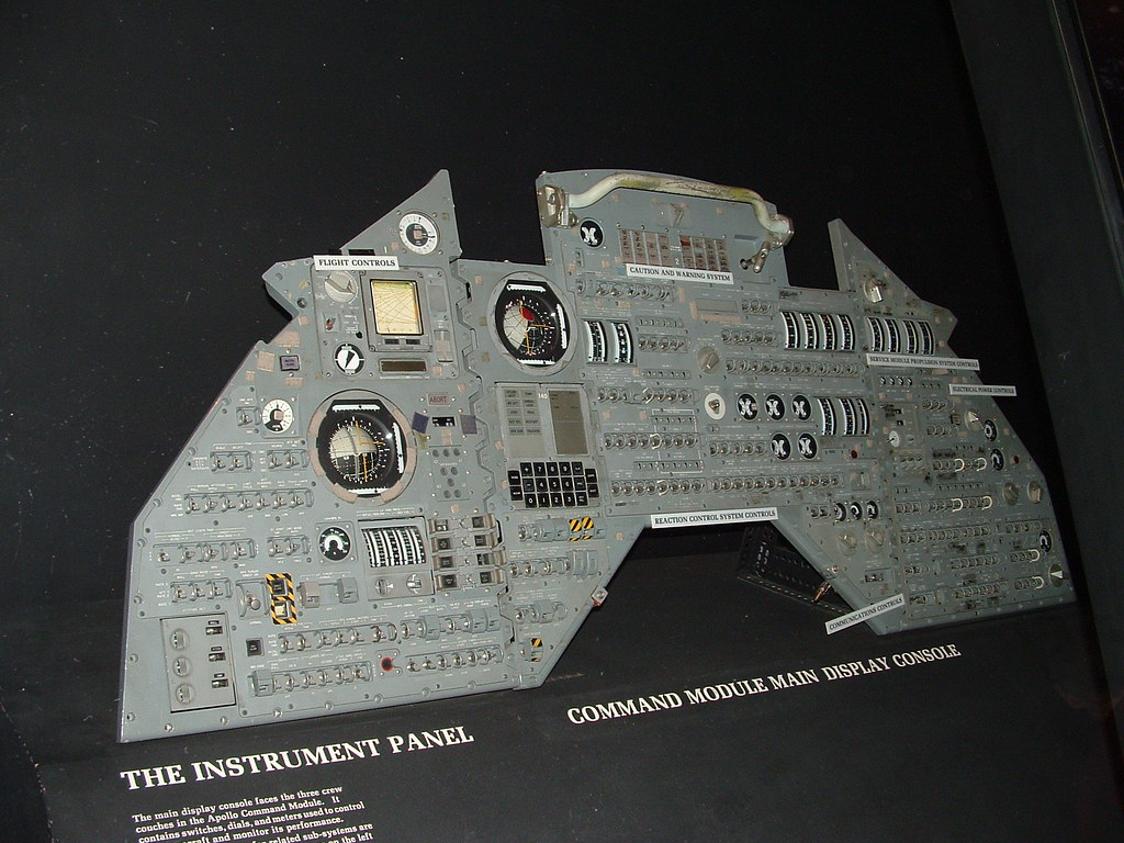 Apollo Instrument Panel | Here's the instrument panel from ...