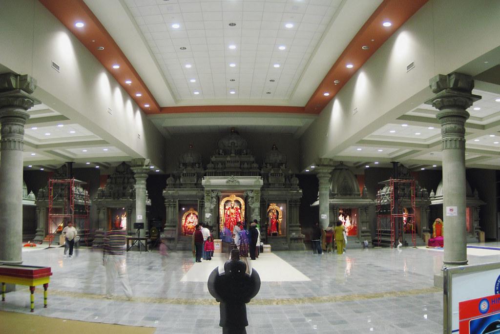 largest hindu temple i...