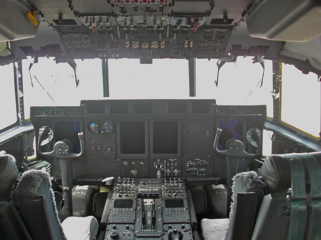 C-130J Super Hercules cockpit | U.S. Air Force C-130J ...