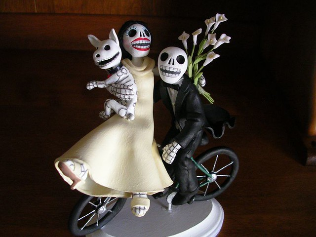 Day of the Dead wedding cake topper | This is a custom Day o… | Flickr