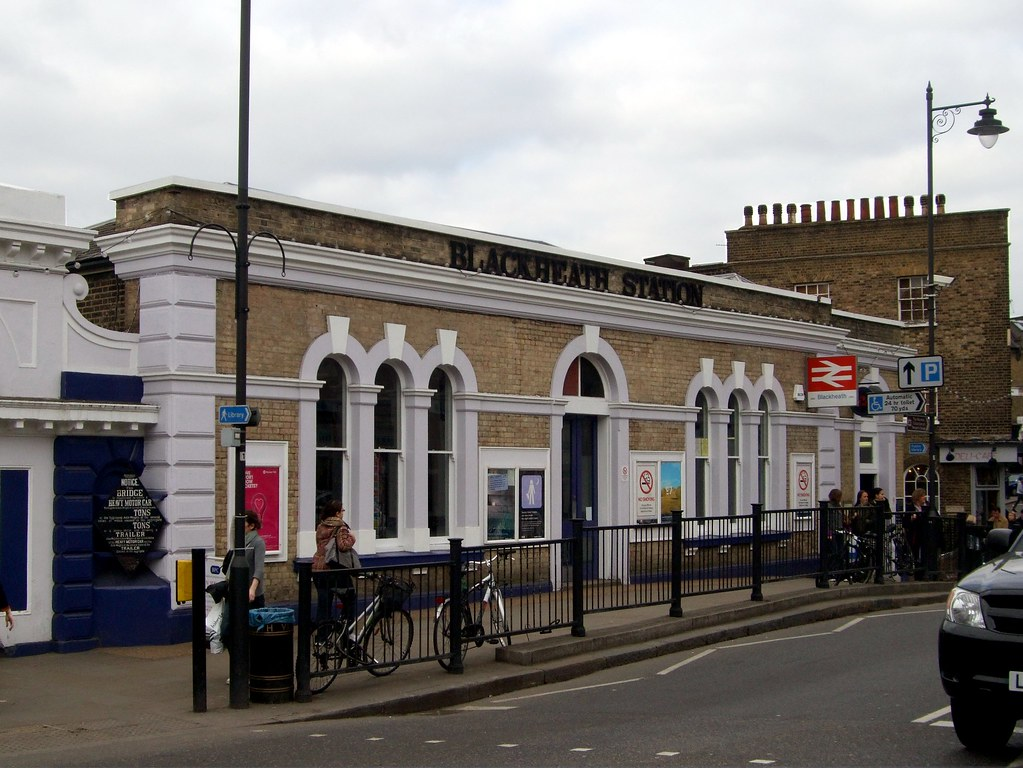 Blackheath station | A busy little suburban enclave exists a… | Flickr