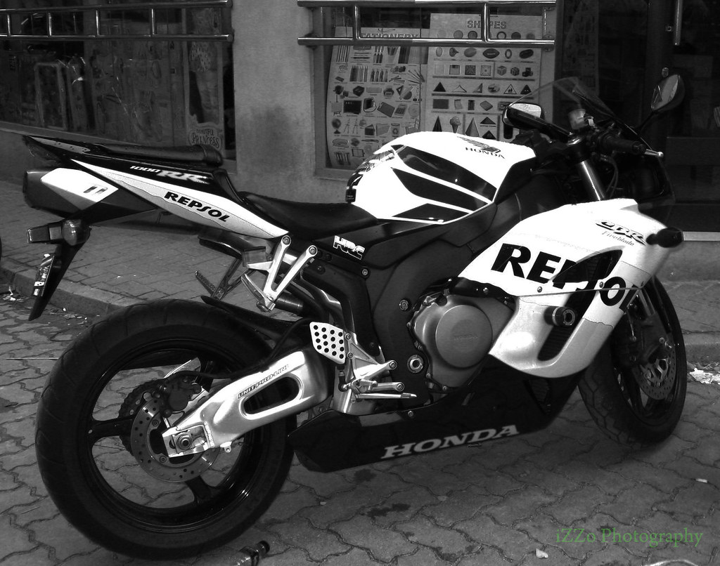 Honda CBR 1000RR Black & WhitE | This is super bike is kool.… | Flickr