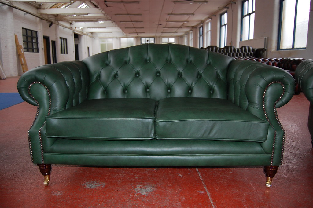 green leather chesterfield sofa green leather chesterfield u2026 Flickr