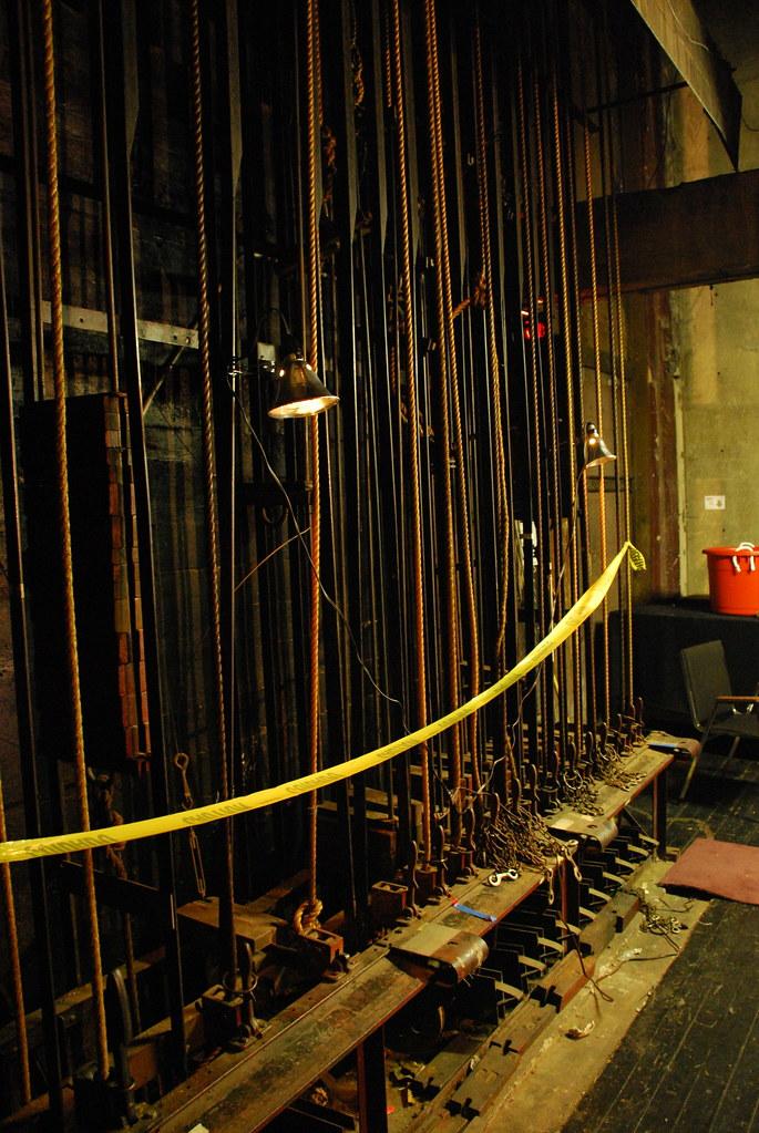Los Angeles Theatre Ba...