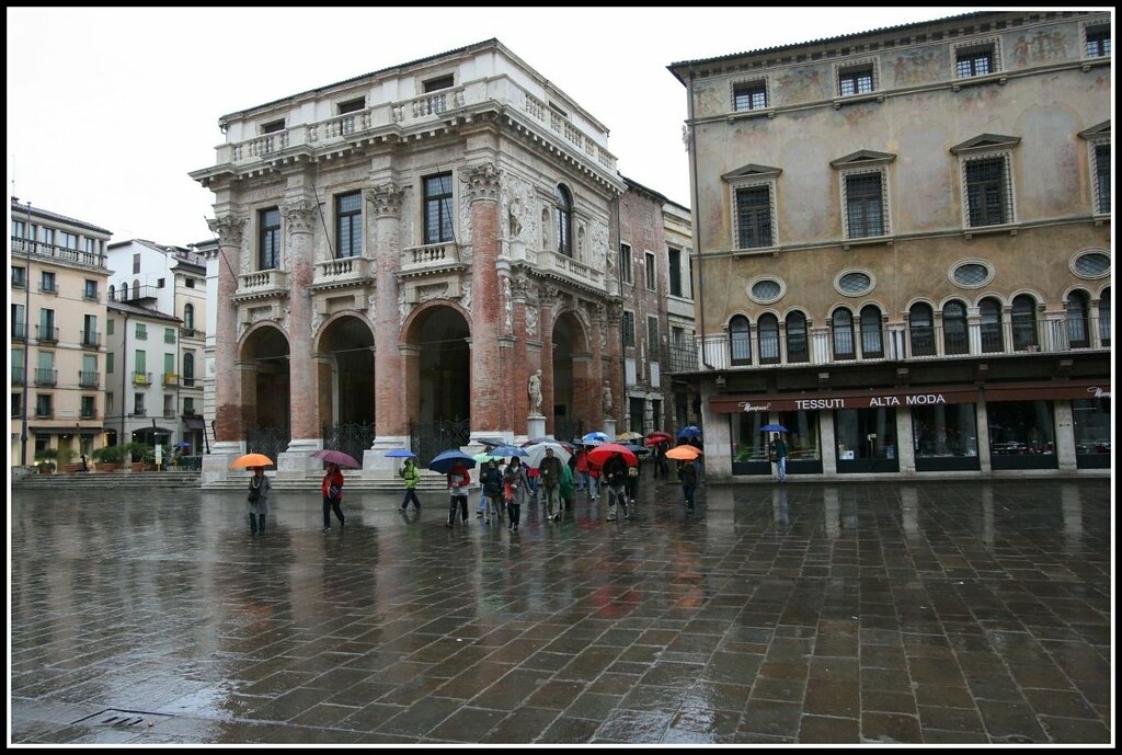 """VICENZAMICI..."""" in un giorno di pioggia """"  VICENZAMICI...An…  Flickr"""