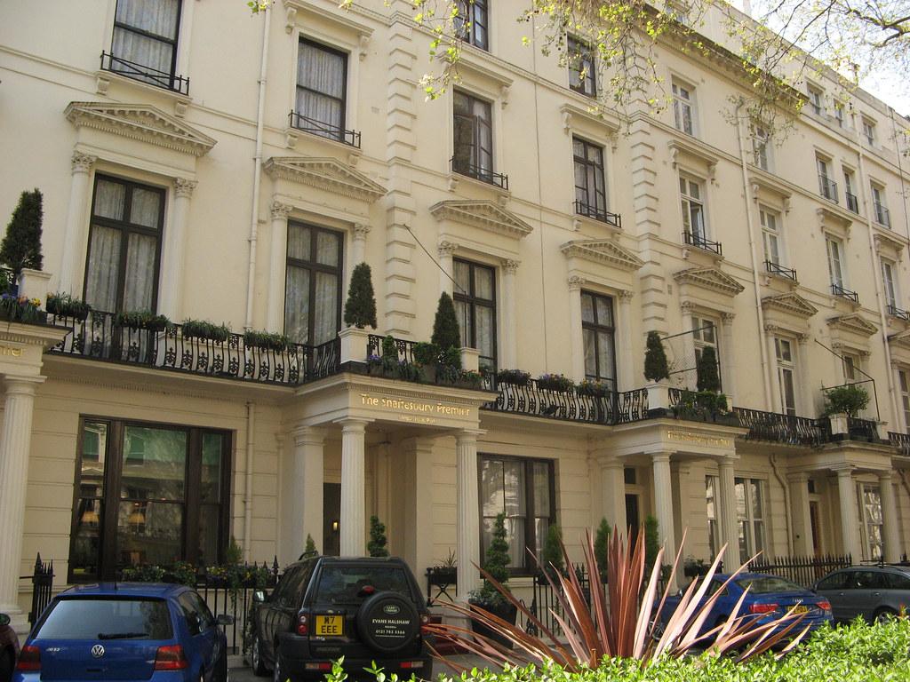Shaftesbury Hyde Park International Hotel