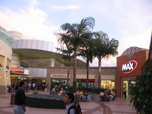 En el centro comercial - 3 8