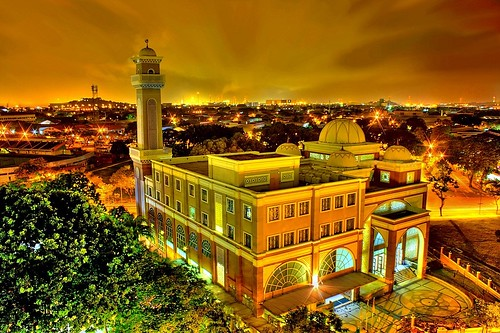 HOLY GOLDEN  MOSQUE | by Kenny Teo (zoompict)