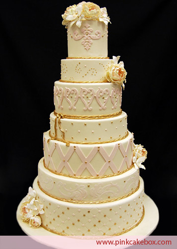7 layer wedding cake 7 tier wedding cake each tier of this 7 tier wedding 10502