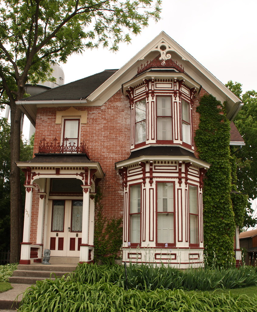 Nice old Victorian house | Main Street in Pecatonica ...