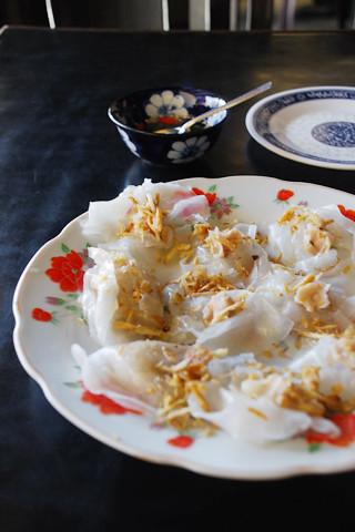 Banh bao vac white rose food in hoi an is even by - Cuisine rose pale ...