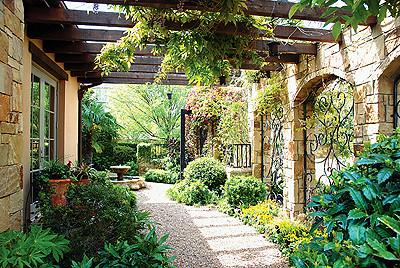 Tuscan garden ashley flickr for Backyard patio landscaping ideas