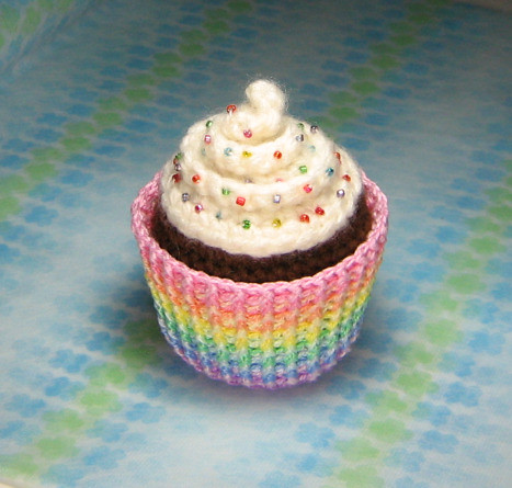 Amigurumi Cupcake Plush | Amigurumi Cupcake Plush with Rainb ...