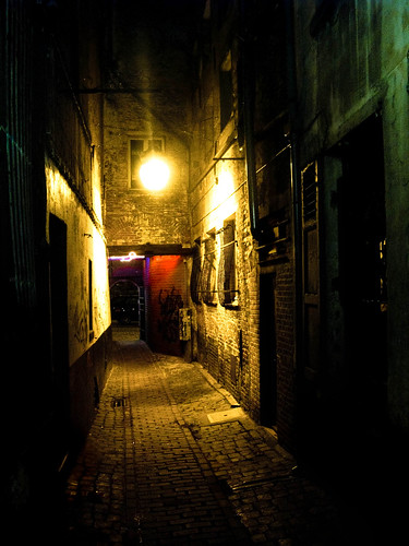Back alley bar | A typ...