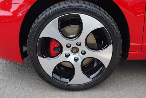 VW Golf VI (6) GTI 'Monza Shadow' 7½J x 18 front alloy ...
