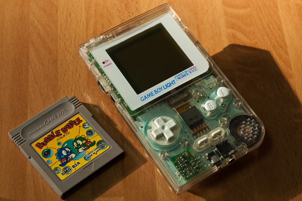 Gameboy Light Skeleton Famitsu Edition & Bubble Bobble ...
