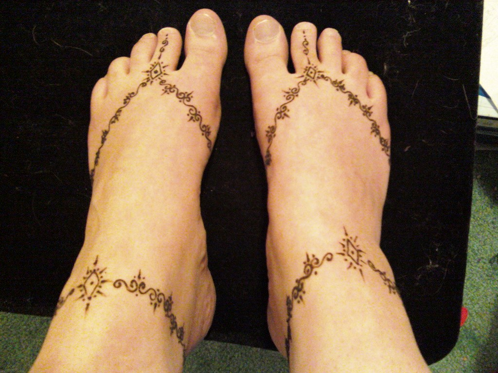 Simple Henna Designs Ankle: Doing One's Own Feet Isnt Nearly As